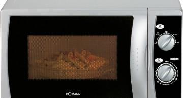 Bomann Mikrowelle – 700 Watt – Garraumbeleuchtung (MW 2235 CB)